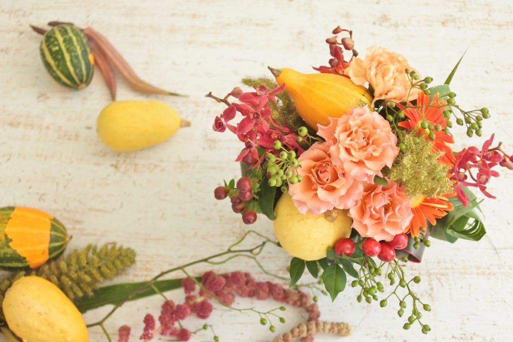 カボチャ 野バラの実 オレンジ バラ 秋 花ナス トウガラシ ヒペリカム 敬老の日 ハロウィーン