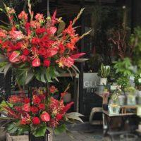 フラワースタンド2段 赤い花 バラ アンスリューム 公演祝い アーティスト