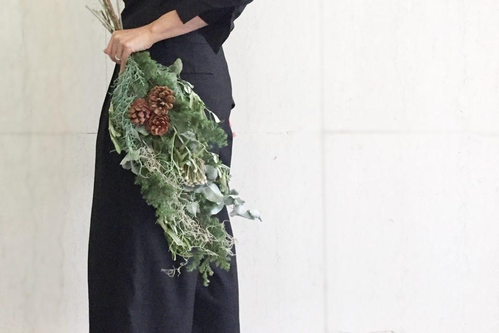 Xmas スワッグ 針葉樹 松かさ 松ぼっくり 薩摩杉 グリーンアイス オリーブ 飾り付け ドライフラワー 花材