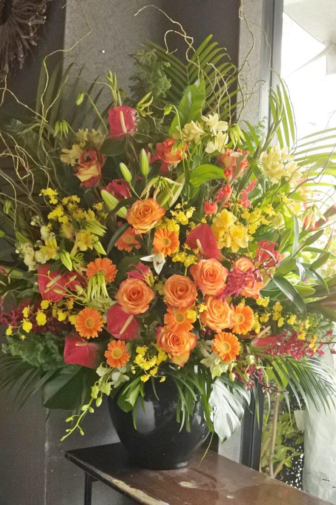 ビジネスフラワー つぼ花 生け込み 豪華 装飾花 壇上の花 花台の上に置く 会社用 講演 発表会