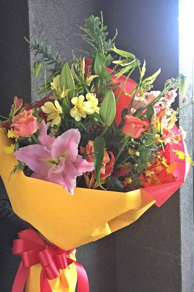 贈呈用花束,ロングブーケ,上司退職,プレゼント,送別会のお花,ボリュームの花束