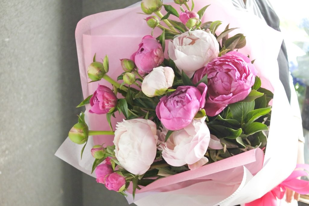 シャクヤク,花束,初夏のお花,送別会,お誕生日,大阪市配達,お花の配達,ロングブーケ,女性のプレゼント,ブーケ,