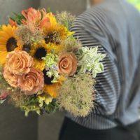 ラウンドブーケ,夏の花,ひまわり,日持ちする花,お誕生日プレゼント,送別会の花,大阪市配達,贈り物,夏っぽい花