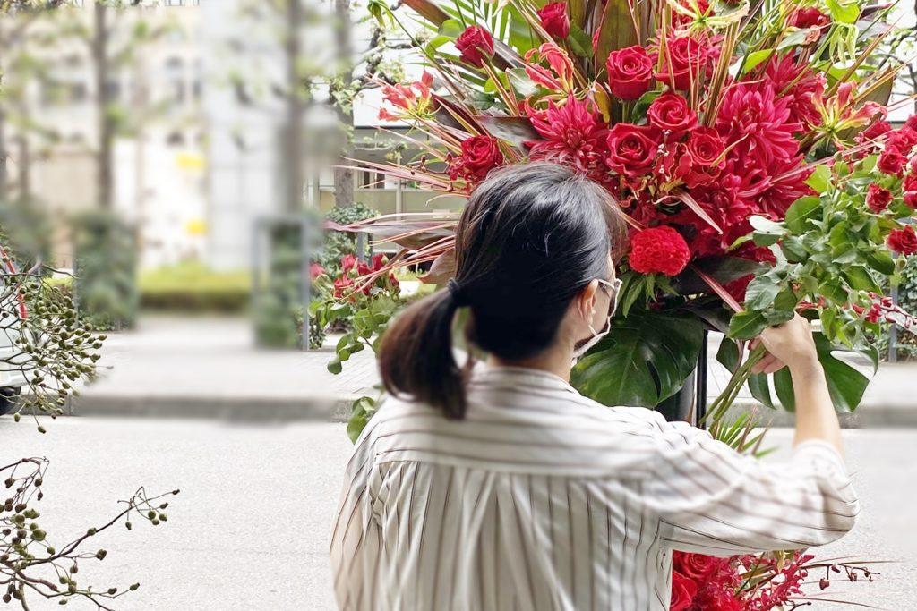 バラ,ダリア,ライブ,フラワースタンド,お祝い,開店祝い,グリュック,センスのいいお花,イベントお花,目立つスタンド,大阪市配達,おしゃれなスタンド