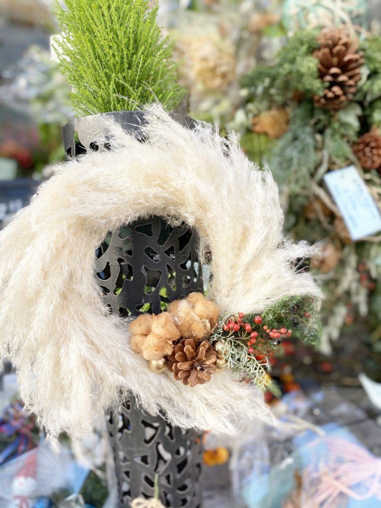 クリスマスリース,赤い実,ナチュラルリース,手作り,壁飾り,大阪市花屋,大阪市配達,グリュック,フローリスト
