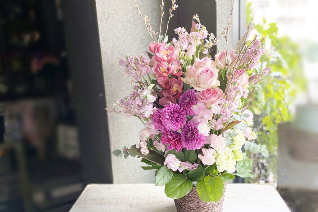 大阪市,西区土佐堀,大阪の花屋,グリュック,配達,お花の宅配開店祝い,周年記念のお祝い,ボリュームあるアレンジ,桜のアレンジ,ピンクのお花