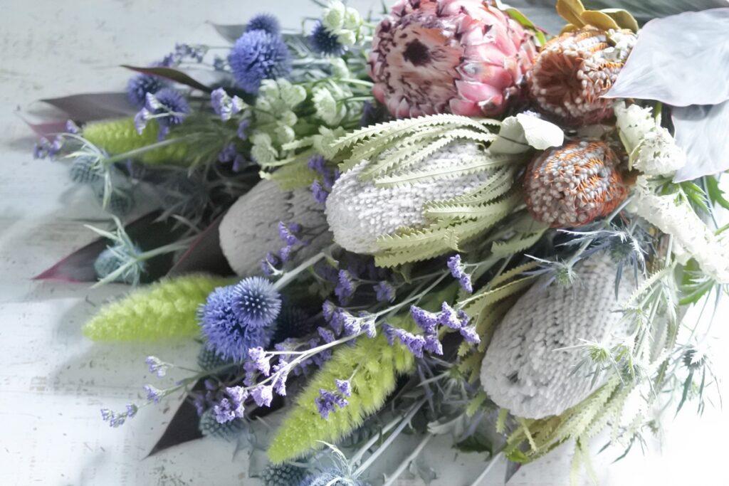 ドライフラワー,バンクシャー,プロテア,ルリタマアザミ,スターチス,花束,グリュック,花屋,大阪市西区,大阪市北区,お花の配達,宅配,大阪市花屋,ドライフラワーの作り方